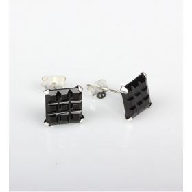 eJOYA 4x4 mm Siyah Zirkon Taşlı Küpe 83844