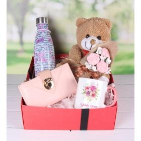 eJOYA Kişiye Özel Kalpten Çiçekler Hediye Paketi 89843