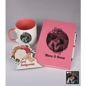Sevgililer Gününe Özel Kişiye Özel Karikatür Fotoğraflı Defter Kalem Kart Kupa Seti 93328