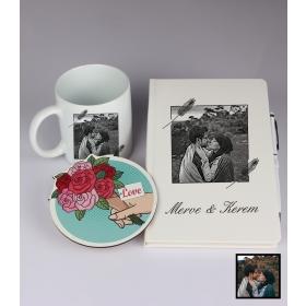 Sevgililer Gününe Özel Kişiye Özel Karikatür Fotoğraflı Defter Kalem Kart Kupa Seti 93335