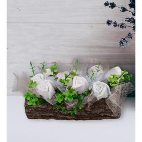 eJOYA Beyaz Güller Doğal Ağaç Kokulu Taş Aranjmanı 94632