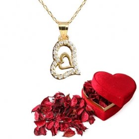 eJOYA Taşlı Altın Kalp Kolye ve Kırmızı Gül Yaprakları